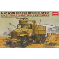 U.S. 2 1/2 Ton 6x6 Cargo Truck & Accessories (1:72)
