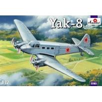 Yak-8 (1:72)