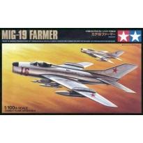 MiG-19 Farmer E (1:100)