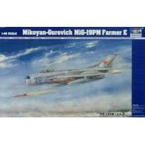 Mikoyan-Gurevich MiG 19PM Farmer E (1:48)
