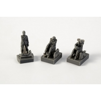 AH-1 Sitting pilots (2 figures) and ground crew (1 figure) for Special Hobby (1:72)