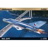 Eduard 70143 MiG-21PF - ProfiPACK (1:72)