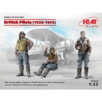 British Pilots (1939-1945) (3 figures) (1:32)