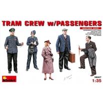 Tram Crew w/Passengers (1:35)