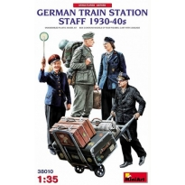 German Train Station Staff 1930-40s (1:35)