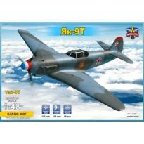 Yak-9T (1:48)