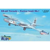 N.A. RB-45C Tornado + Mark 7 nuclear bomb (1:72)