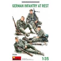 German Infantry at Rest (1:35)