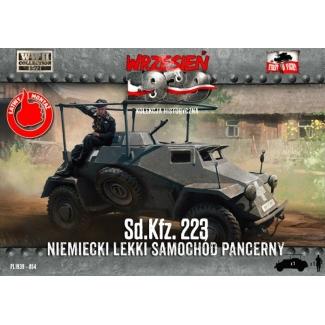 First to Fight Sd.Kfz. 223 Niemiecki lekki samochód pancerny (1:72)